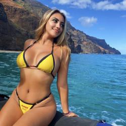 Hawaiian babes, Instagram tags